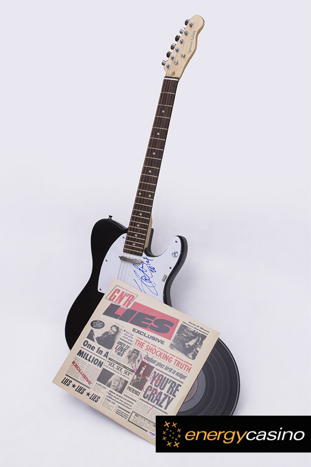 Guns-N-Roses-Slot-Tournament-signed-guitar-slash-3